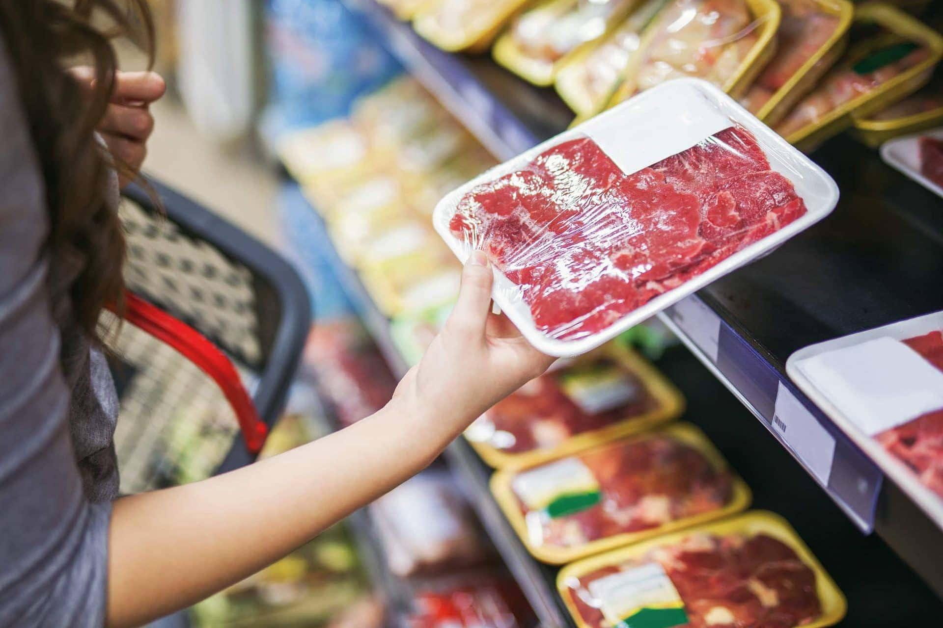 Lebensmittel: abgepacktes Fleisch