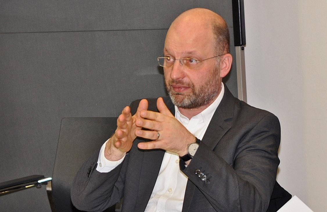 Dirk Engelmann in der Diskussion mit der ASG Berlin