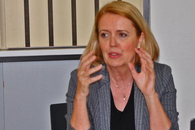 Dörte Elß, Vorstand Verbraucherzentrale Berlin e.V. in der Diskussion mit der ASG Berlin