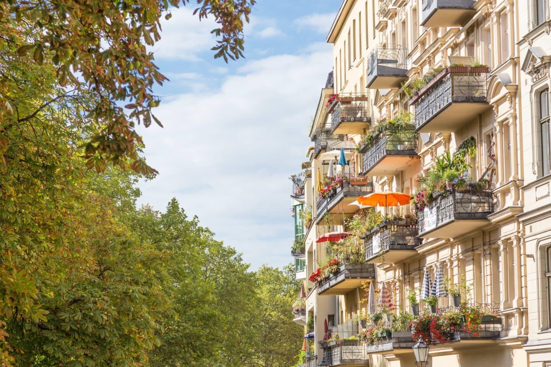 Wohnungen in Gründerzeit-Häusern mit Balkonen in Berlin-Kreuzberg