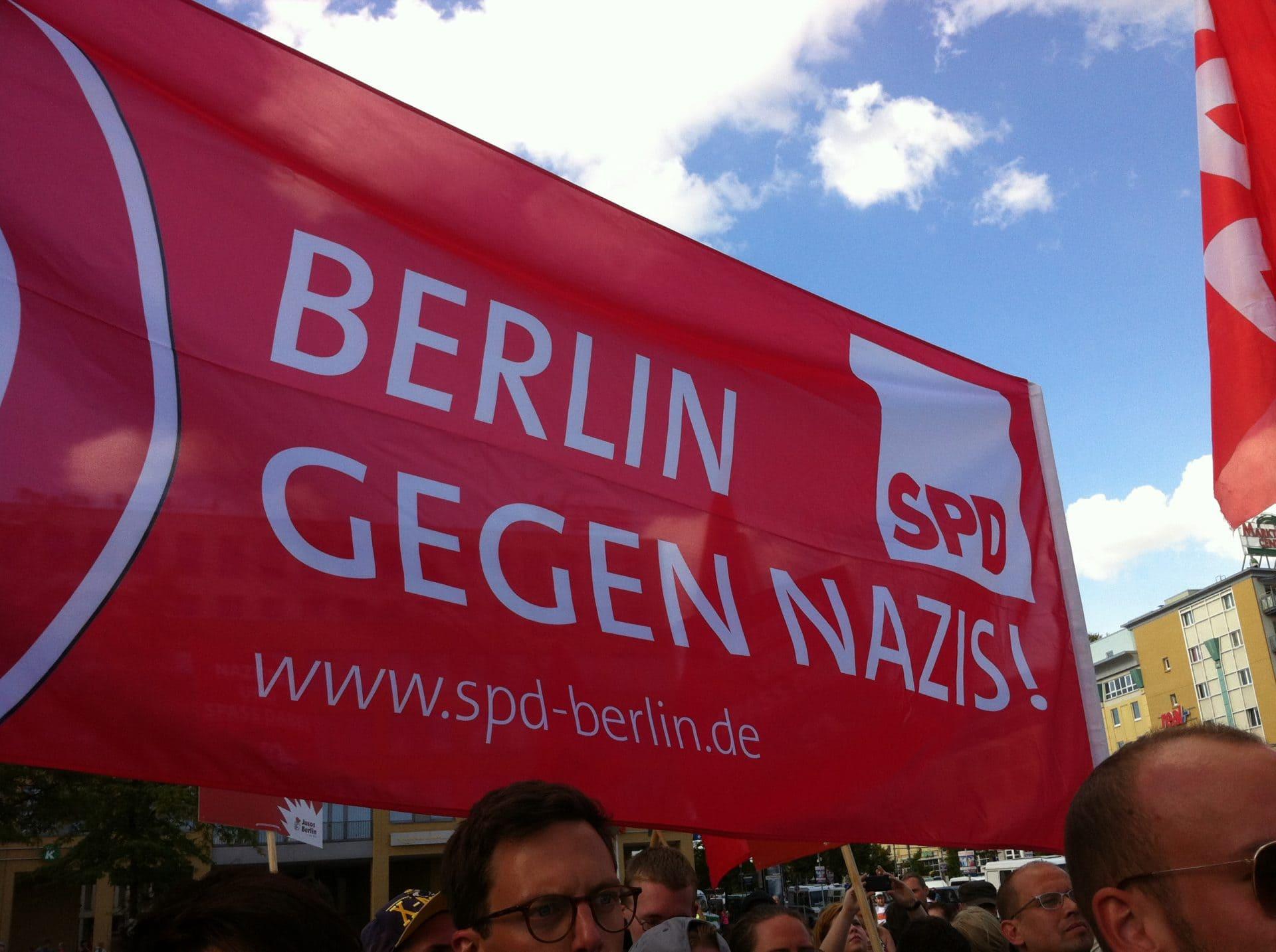 SPD-Banner: Berlin gegen Nazis