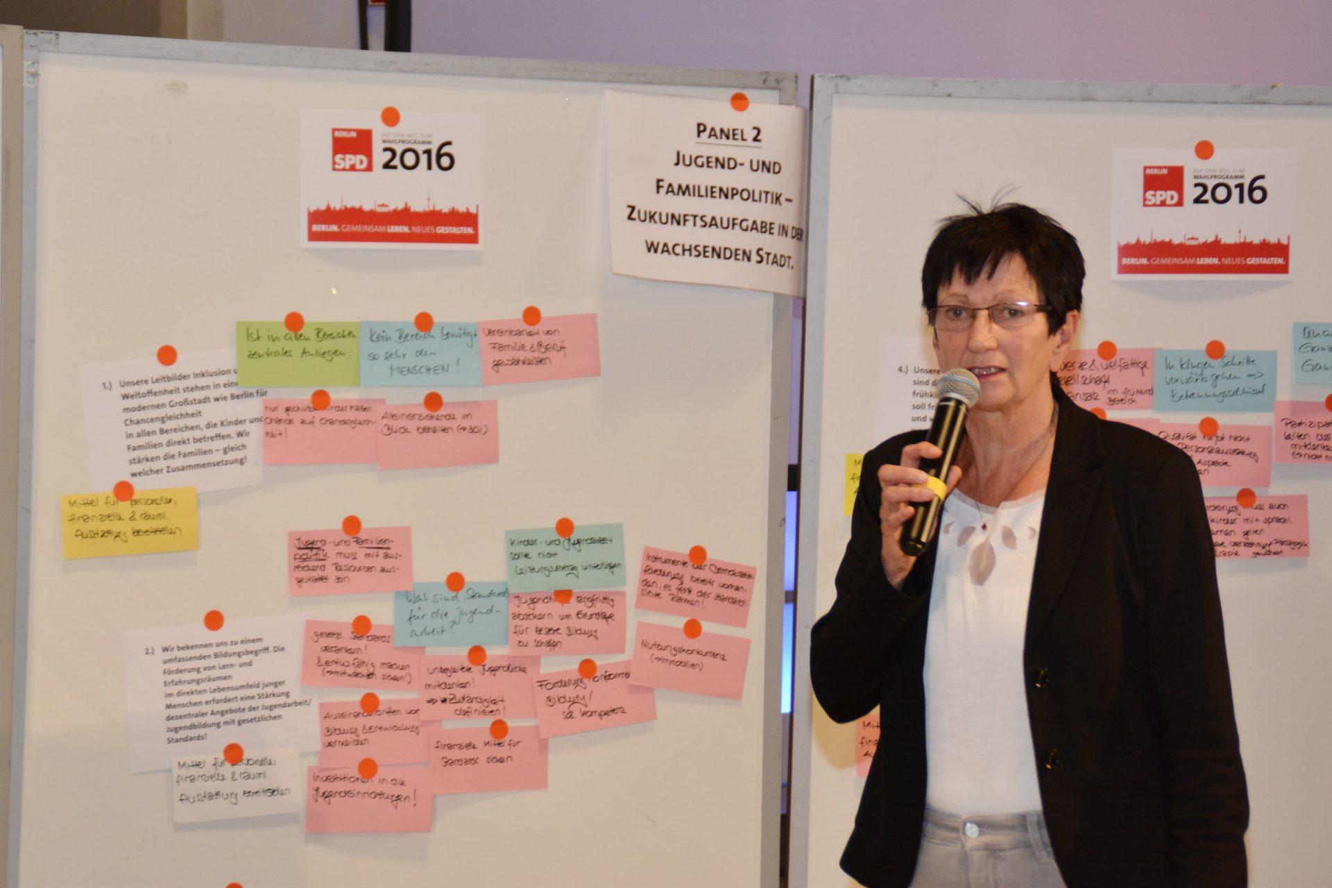 Monika Buttgereit bei der Programmkonferenz Bildung