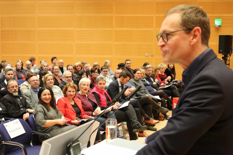 Michael Müller beim Innovationsforum Pflege der SPD Berlin