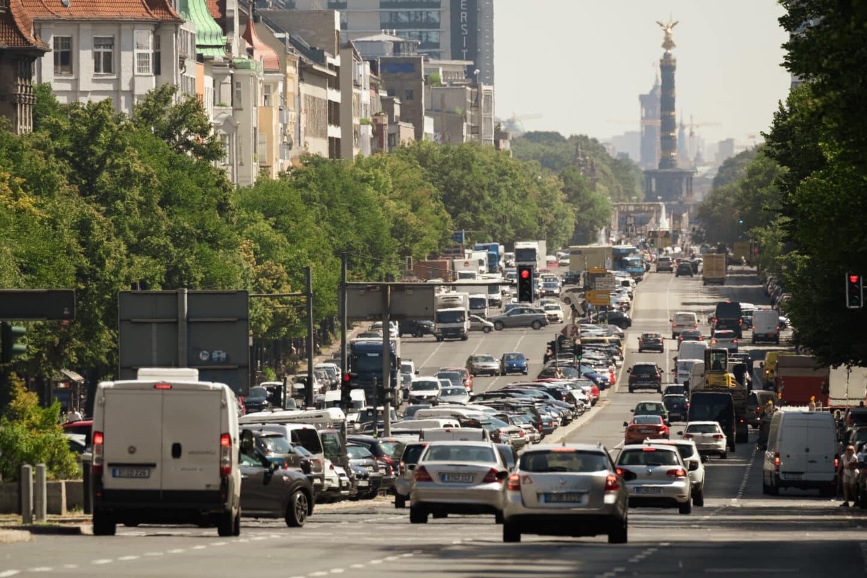 Verkehr auf dem Kaiserdamm in Berlin
