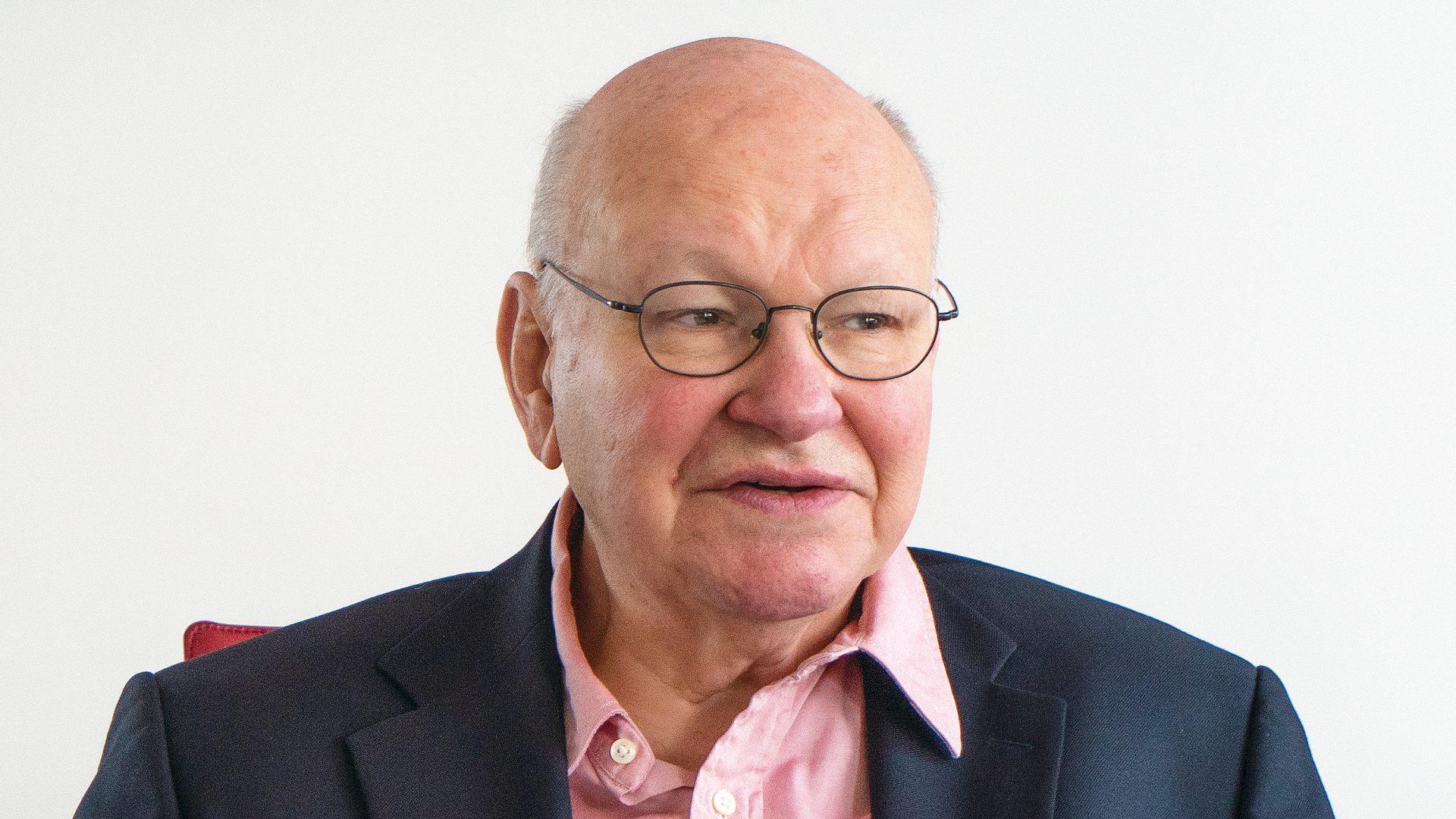 Walter Momper bei einem Interview zu 30 Jahre Mauerfall.