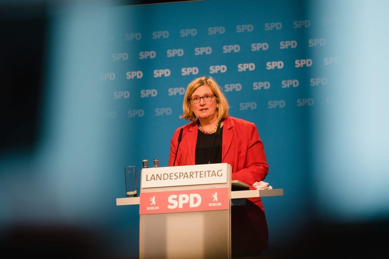 Angelika Schöttler beim hybriden Landesparteitag der SPD Berlin