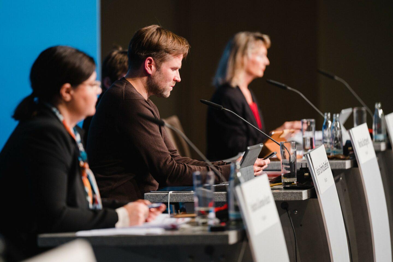 Präsidium beim hybriden Landesparteitag der SPD Berlin