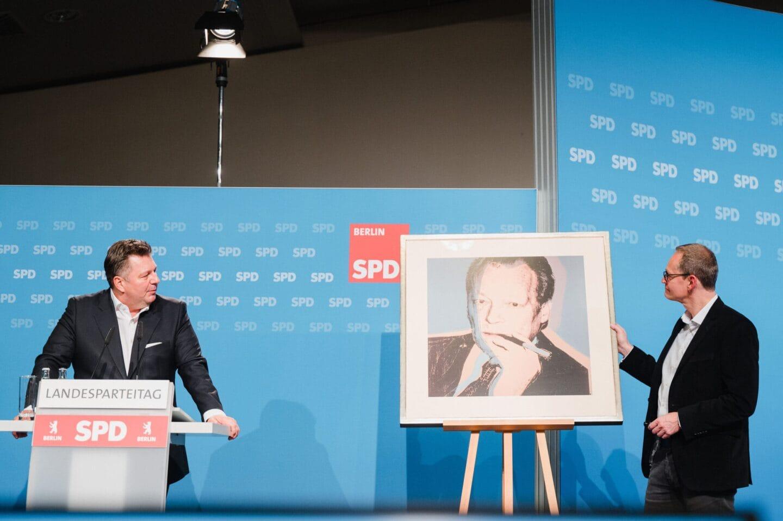 Andreas Geisel und Michael Müller beim hybriden Landesparteitag der SPD Berlin