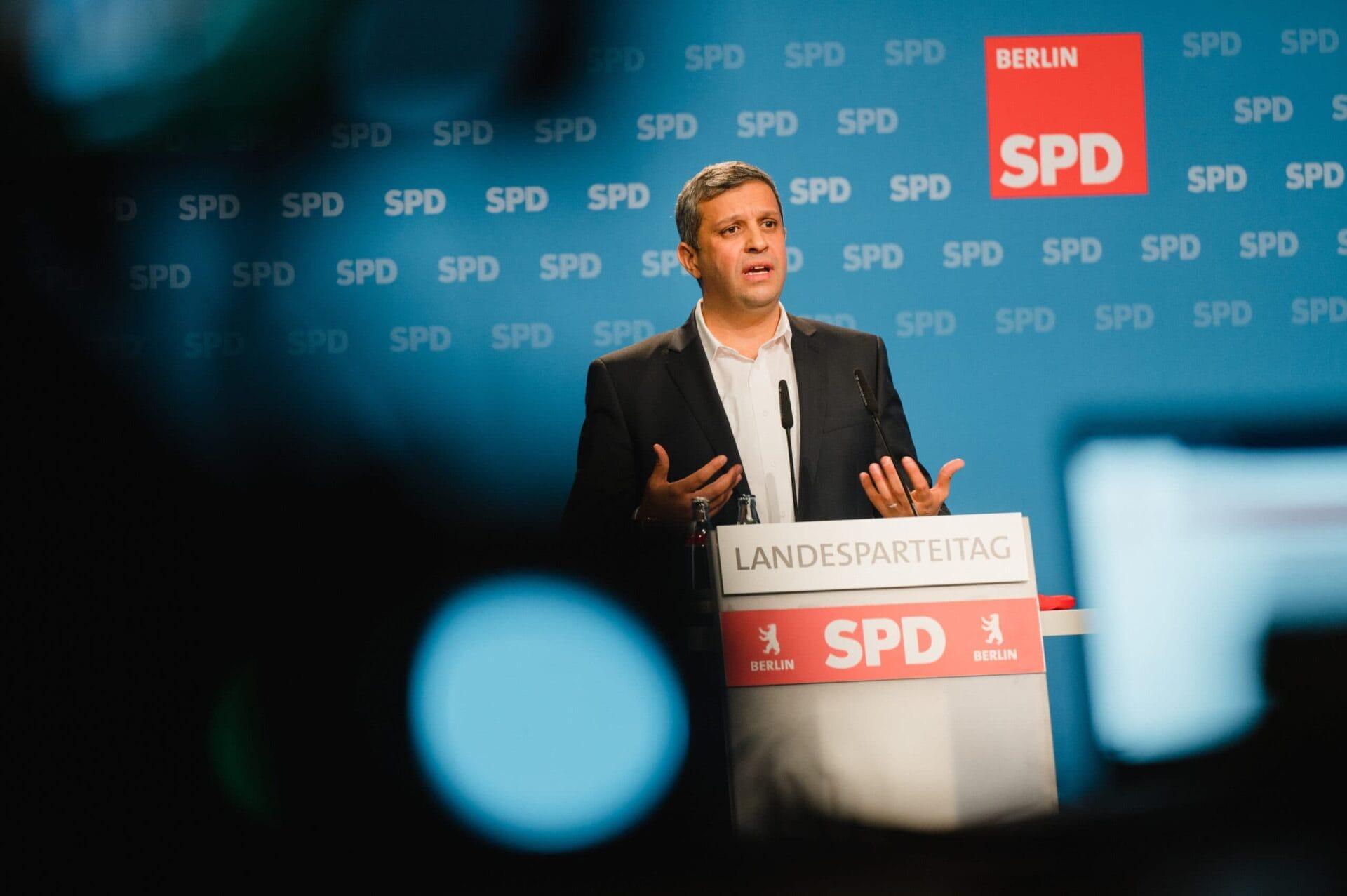 Raed Saleh kandidiert beim hybriden Landesparteitag der SPD Berlin