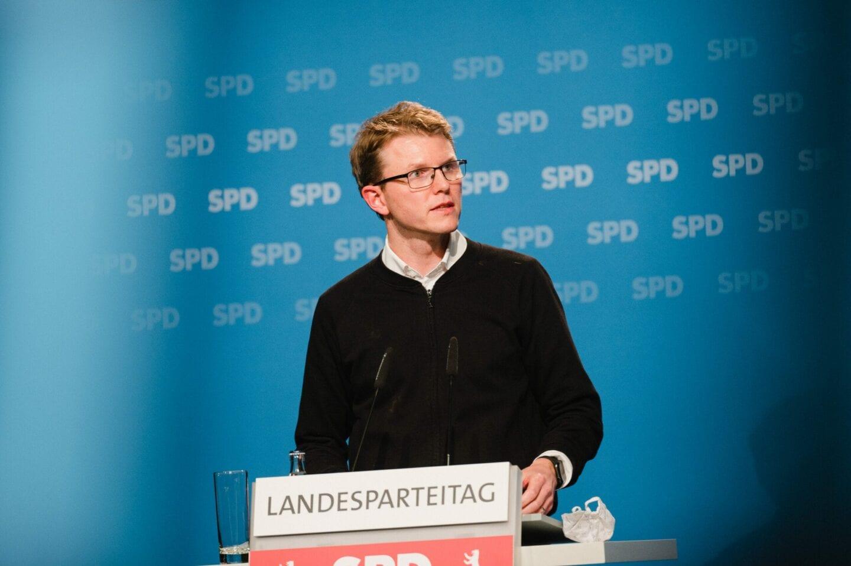 Julian Zado kandidiert beim hybriden Landesparteitag der SPD Berlin