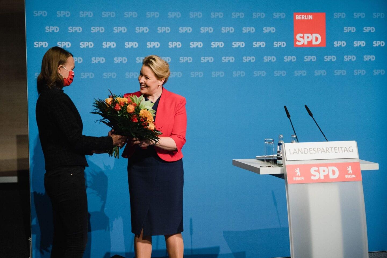 Franziska Giffey (r.) bildet mit Raed Saleh die neue Doppelspitze des Landesverbandes.