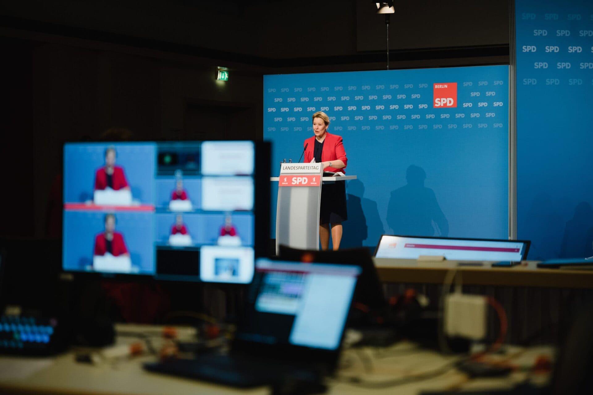 Franziska Giffey spricht auf dem ersten digitalen Parteitag der SPD Berlin.