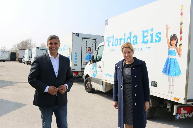 Franziska Giffey mit Raed Saleh zu Besuch bei Florida Eis