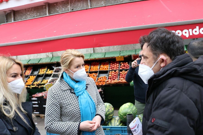Franziska Giffey im Gespräch mit Euro Gida.