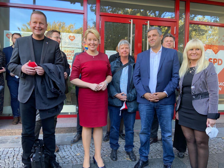 Erste Gespräche Berliner SPD-Parteispitze mit den Berliner Linken.