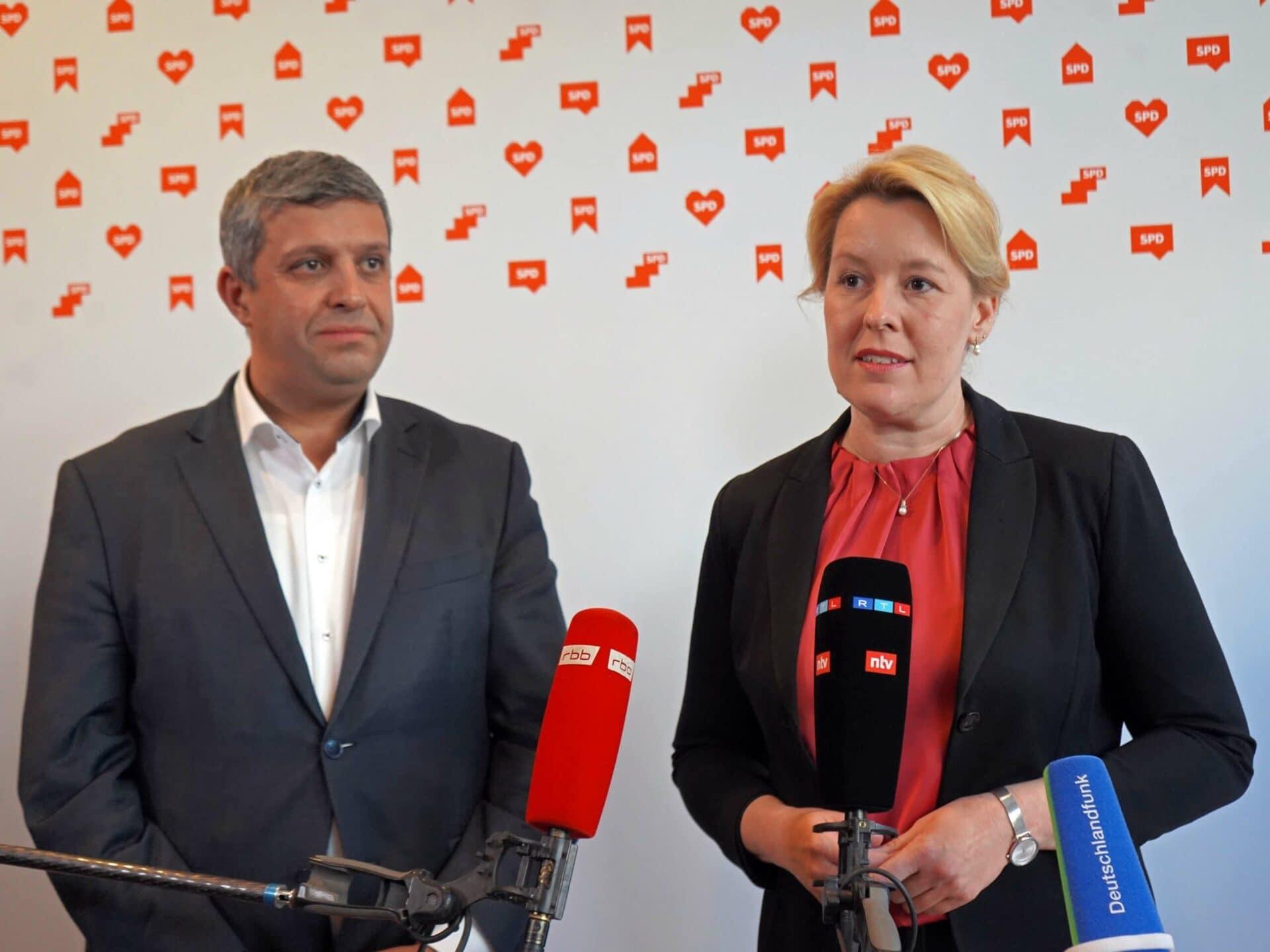 Franziska Giffey und Raed Saleh beim Pressestatement zum Stand der Sondierungen
